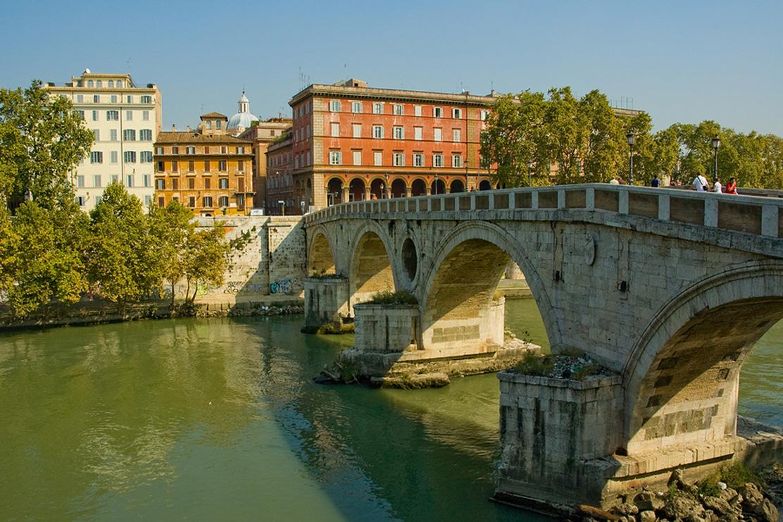 Trastevere Ponte Sisto Rome